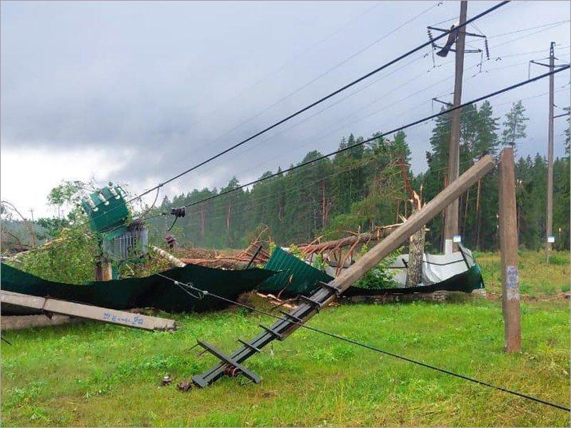 «Россети Центр» восстанавливают электроснабжение в регионах ЦФО после урагана. В Брянской области оно восстановлено
