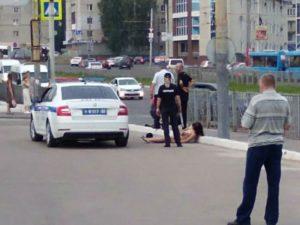 В Брянске умерла женщина, раздевшаяся догола у гипермаркета «Линия-3»