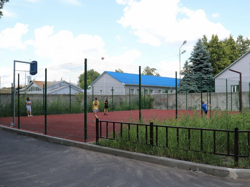 В Брянске продолжается капремонт «комфортных» дворов