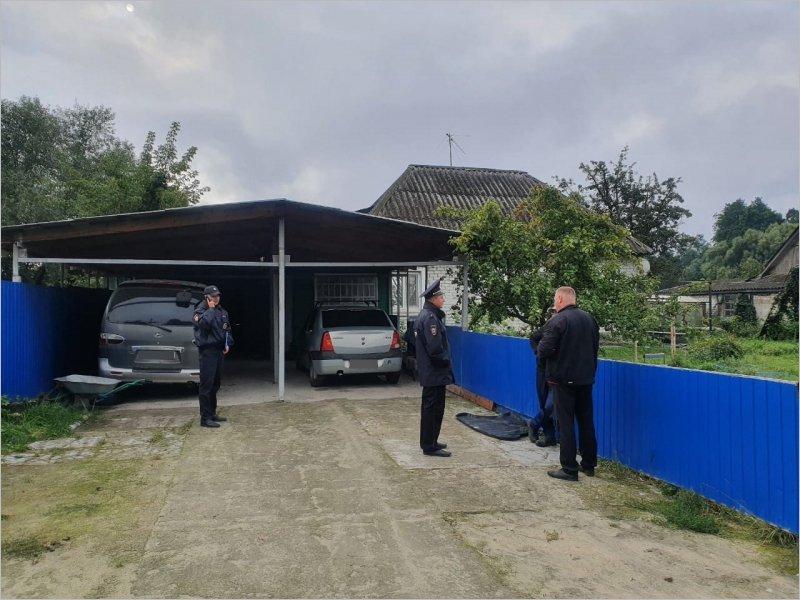 Убил топором: брянская полиция сообщила подробности ночной трагедии в частном доме в Фокино (видео)