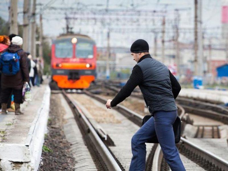 В Брянской области с начала года оштрафовали около 100 человек, разгуливавших по железной дороге