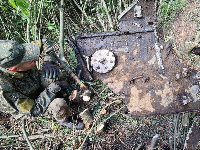 Брянские поисковики провели раскопки на месте падения самолёта Ил-2