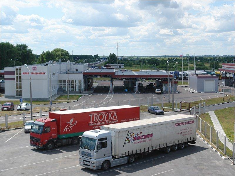 На границе России с Украиной в Брянской области возникли автомобильные пробки