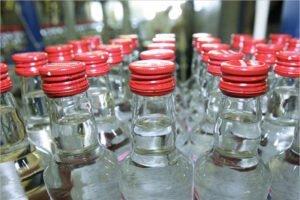 Новозыбковские предприниматели отправлены под суд за торговлю «левой» водкой