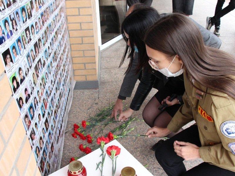 «Вместе против террора»: в Брянске прошли акции и митинги, на которых почтили память жертв Беслана