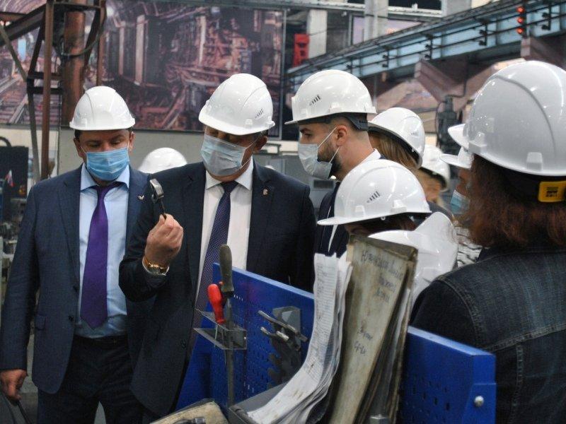Брянский губернатор заглянул в открытые двери «Термотрон-Завода»
