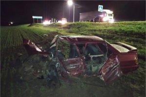 Лобовое столкновение в Севском районе: машины всмятку, водитель одной из них — «тяжёлый»