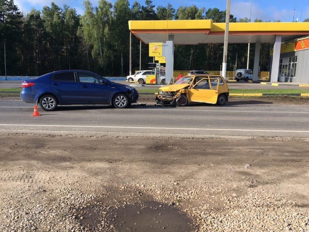 В ДТП под Унечей погиб 73-летний водитель «Оки». Водитель встречной иномарки отвлекся на пассажира…