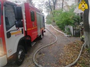 В Брянске утром горела квартира в полуаварийном доме