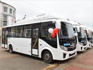 Вторая попытка: директору брянской автоколонны №1403 вручены ключи от семи газобусов