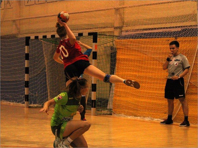 Сельцовский «Сокол» стартовал в высшей гандбольной лиге с двух побед