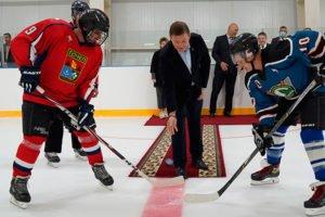 «Почеп» и « Меленск» открыли в Почепе ледовый дворец «Лидер»