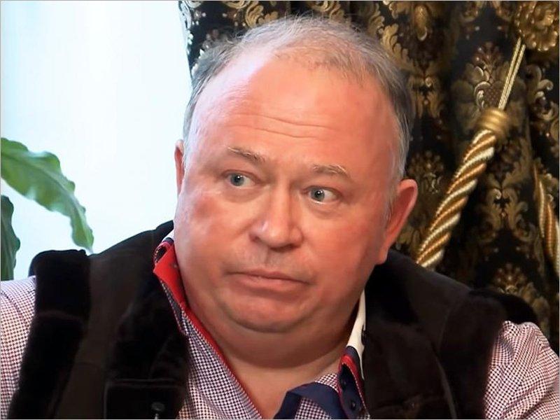 Ушла эпоха: работавший с двумя брянскими губернаторами медиа-киллер Андрей Караулов покинул Россию