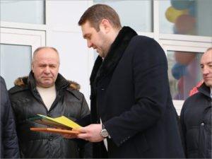 Клинцовский депутат и сын депутата, осуждённый за взяточничество, сдал мандат