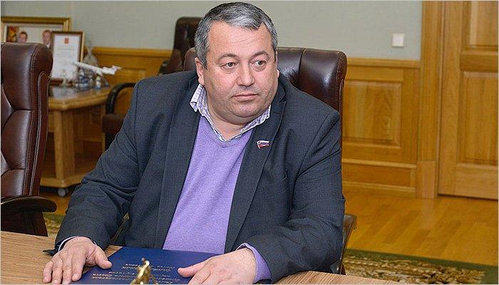 В брянский суд передаётся дело на «Великого сына грузинского народа» за невыплаченную зарплату