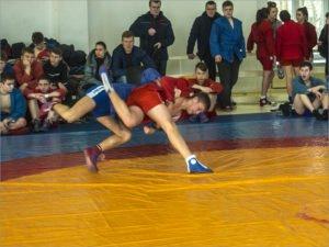 В Брянске прошёл отбор самбистов на молодёжное первенство России