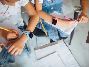 Абоненты Tele2 получат скидку на гаджеты для детей и людей старшего поколения
