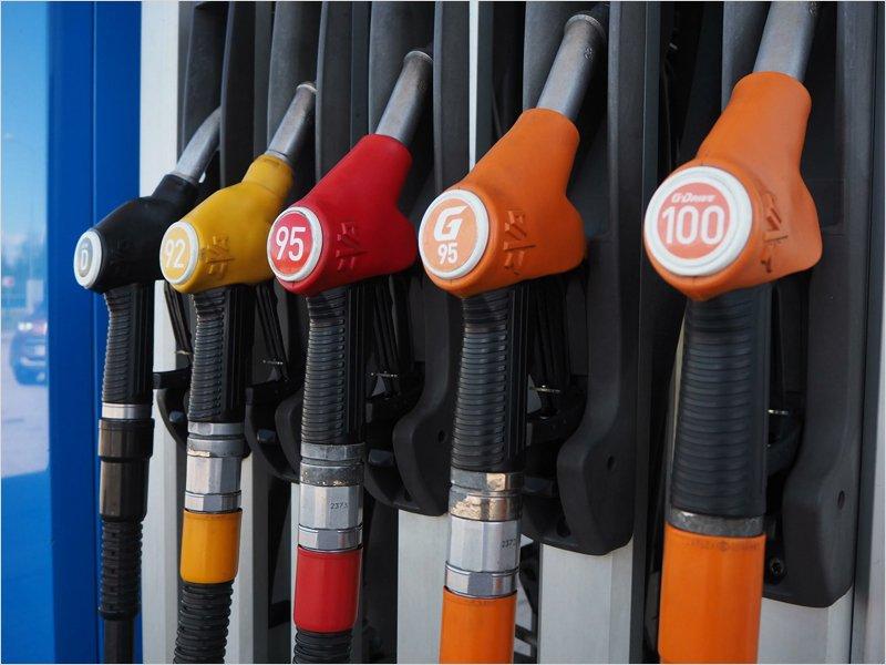 В начале октября бензин в Брянске даже незначительно подешевел — Росстат