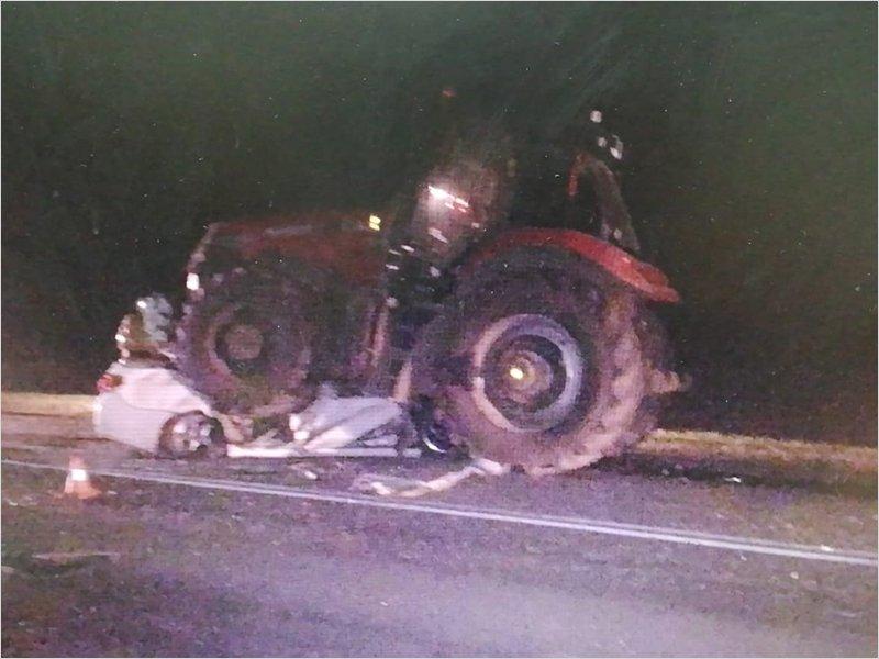 Вторая раздавленная трактором легковушка под Трубчевском: погибли молодой человек и подросток