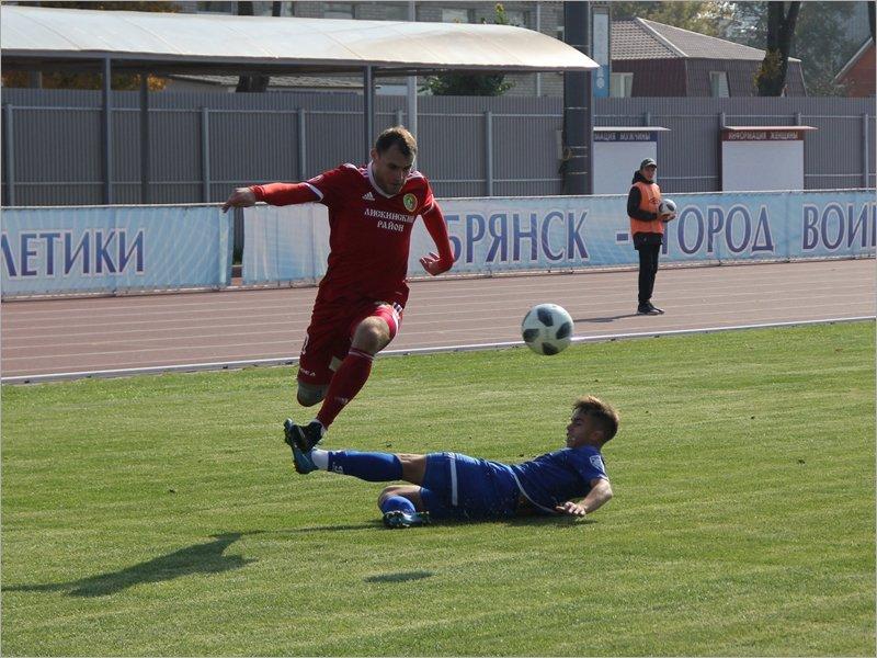 Молодёжь брянского «Динамо» продержалась дома против лидера только один тайм