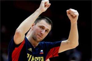 Виталию Фридзону — 36 лет, он намерен ещё играть
