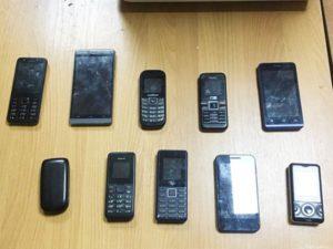 Около брянской колонии №1 «отловили» очередного «поставщика» телефонов