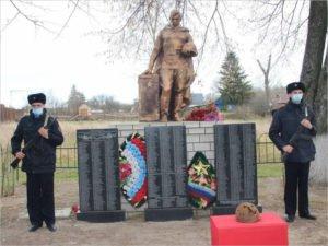 В Севском районе торжественно перезахоронили останки 43 красноармейцев