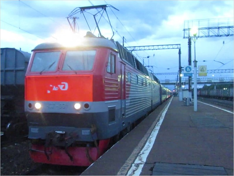 Поезд из Брянска опоздал в Москву на три часа из-за поломки локомотива